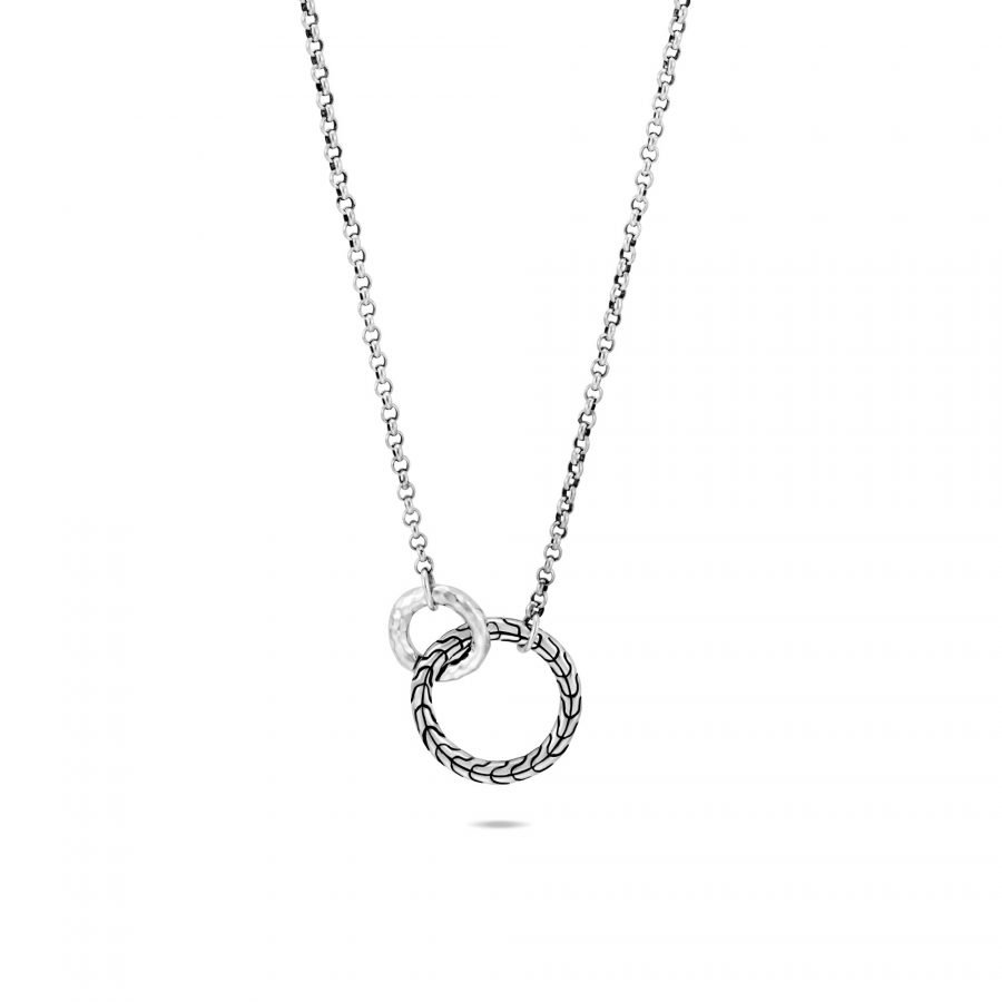 Classic Chain Interlinking Necklace in Hammered Silver 2
